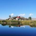 Titicaca - île en rochers