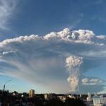 Puerto Montt - volcan Calbluco en éruption