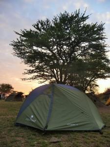 Serengeti - Campement dans le parc