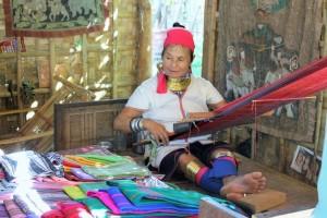 Bagan - Femme girafe Padaung