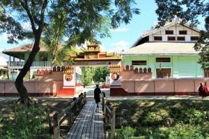 Nyaungshwe - Monastère