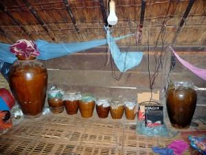 Village Phnong - Jarres à alcool