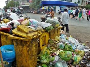 Battambang - Déchets du marché