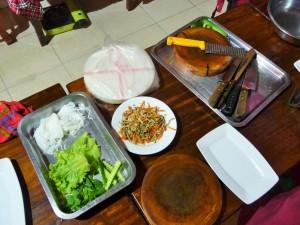 Battambang - Préparation des rouleaux de printemps