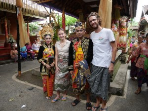Ubud - On pose avec les mariés