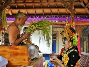 Ubud -  Bénédiction des mariés